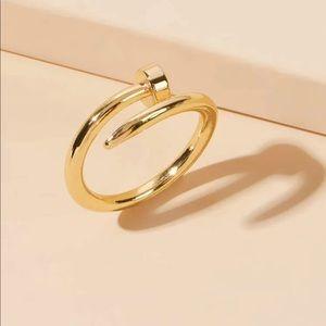 3/$30 💛 Nail Ring